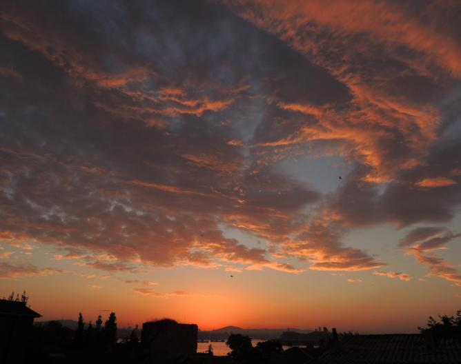 Istanbul sunrise from the World Heritage Hotel | © Anita Gould/Flickr