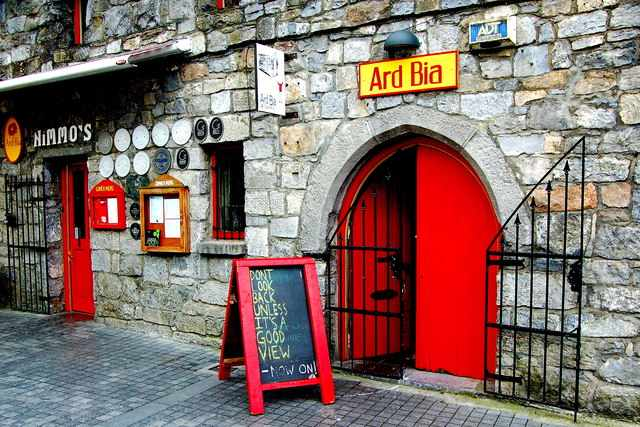 Photo of the entrance to the Ard Bia