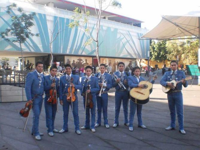 Mariachi Band at Plaza Garibaldi | © EpMe/WikiCommons
