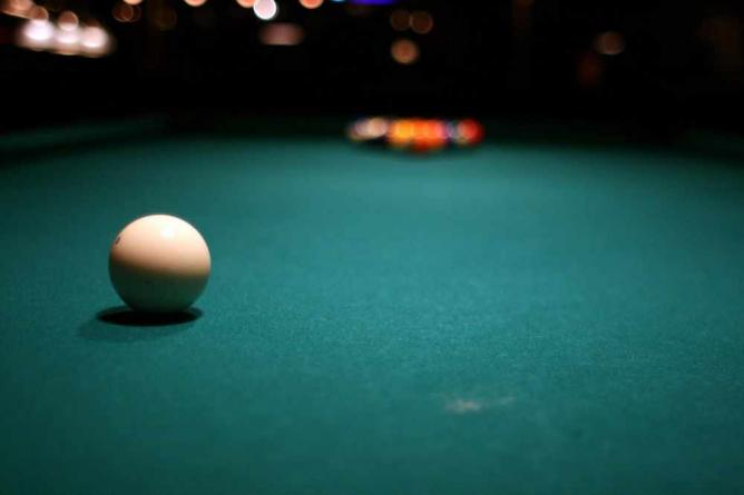 Pool table | © Leslie Kalohi/Flickr