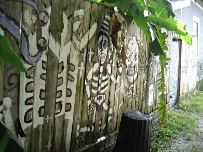 Bywater Fence Happy Skulls   © Infrogmation of New Orleans/ Flickr