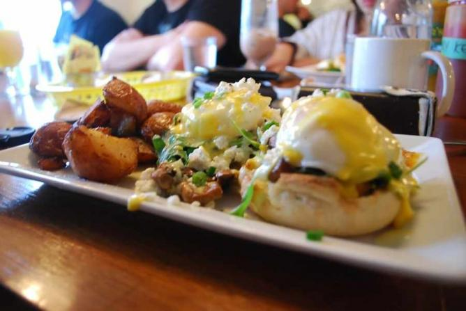 Eggs benedict | © Heather Joan /Flickr