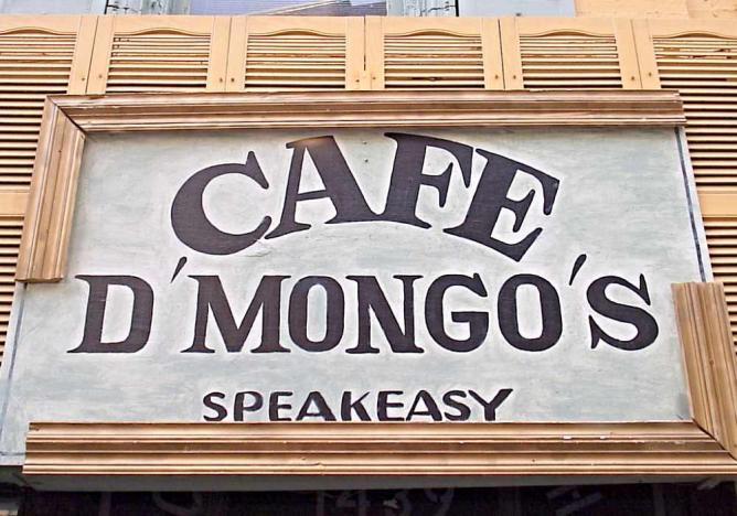 Café D'Mongo's Speakeasy | © pinehurst19475/Flickr