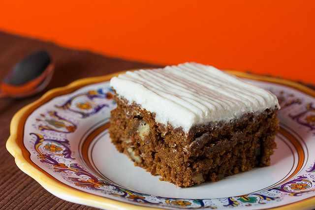 Vegan Carrot Cake 9 X 13 inch| © Mattie Hagedorn/Flickr