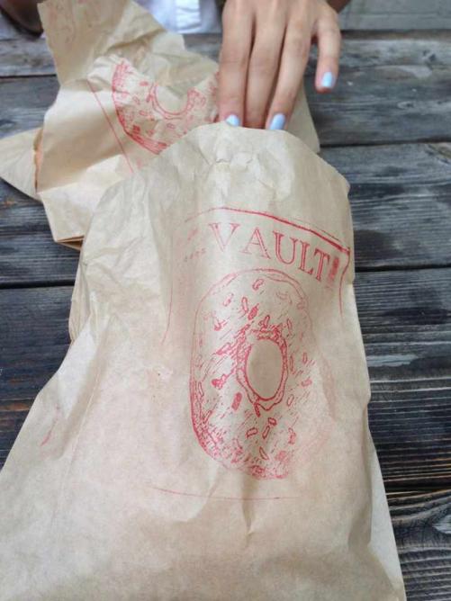 The Doughnut Vault | © Benny Wong/Flickr