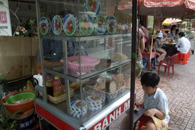 Typical Banh Mi Stall | © Jonathan Lin/Flickr