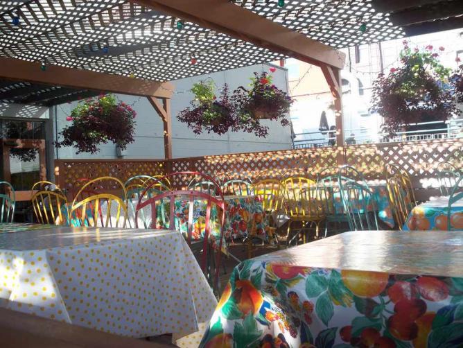 Outdoor dining at Pink Door