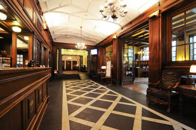 Hotel Interior   Courtesy of Grand Hotel Terminus