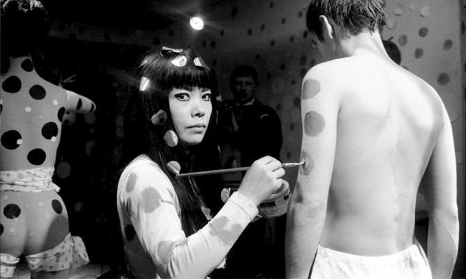 Yayoi Kusama Paints Dots