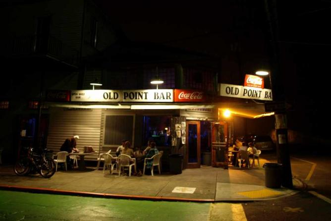 Old Point Bar | © Tory/Flickr