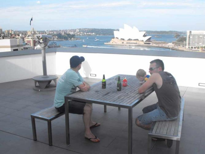 Rooftop Sydney Harbour YHA | © Caz and Craig Makepeace/Flickr