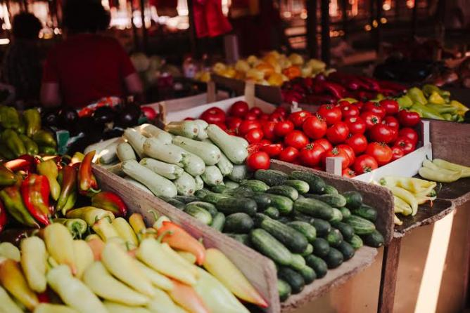 Bajloni Farmers' Market across the street © Monika Pavlović