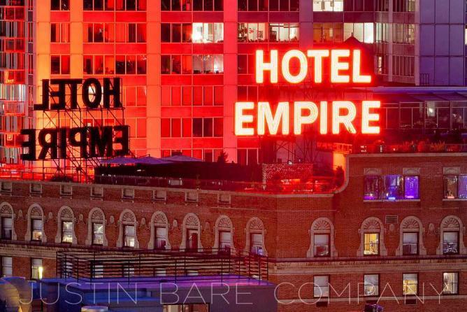 Empire Hotel | © Purplebubblee/WikiCommons