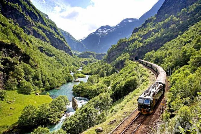 The Flåm Railway, Norway | © Flåm Utvikling AS/Photo by Morten Rakke