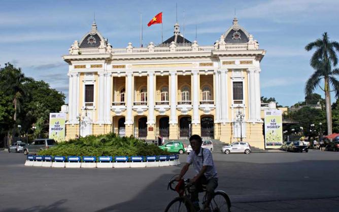 Hanoi Opera House in the French Quarter | © Kriti Bajaj