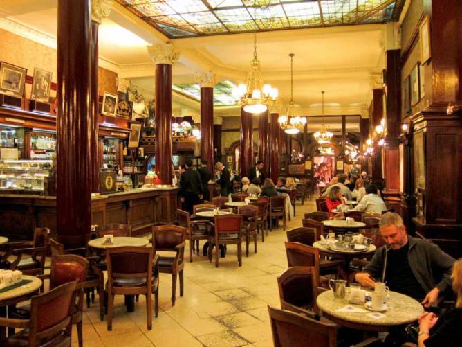 Café Tortoni | Ⓒ Miguel Vieira/Flickr