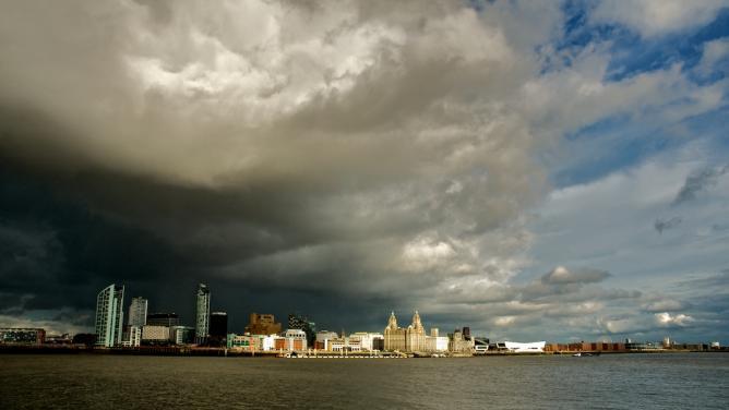 Rain Clouds over Liverpool | © Stuart Madden/Flickr