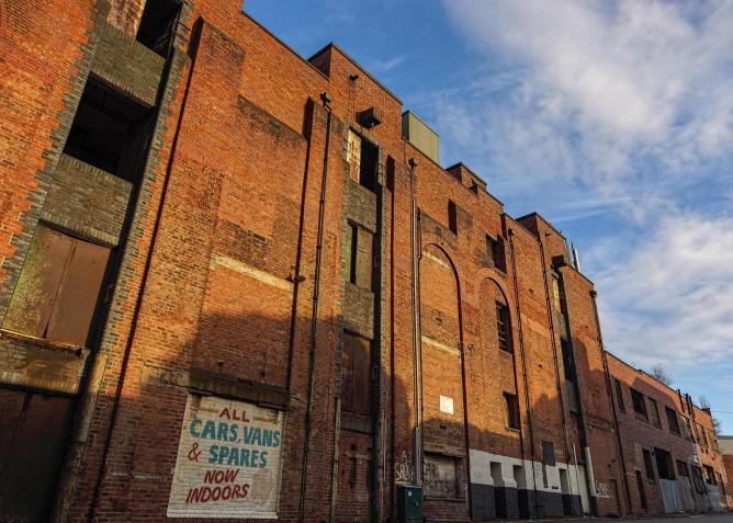 Abandoned warehouses in Liverpool | © Beverley Goodwin/Flickr