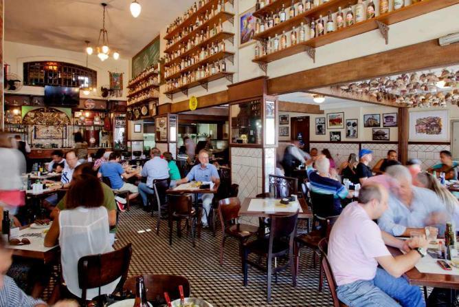 Bar do Mercado & # xA9; Grupo Jorge Ferreira / Flickr
