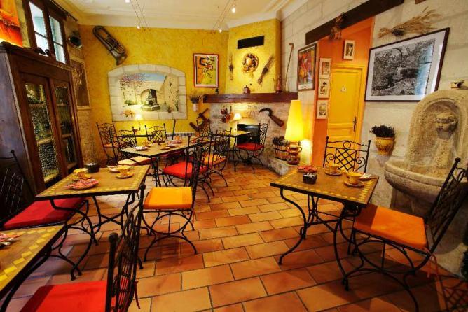 The 10 best cultural hotels in avignon france for Hotel design avignon