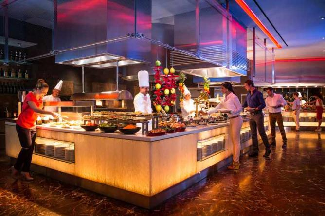 Visitors who brunch the top six dubai restaurants for a for Table 52 brunch dress code