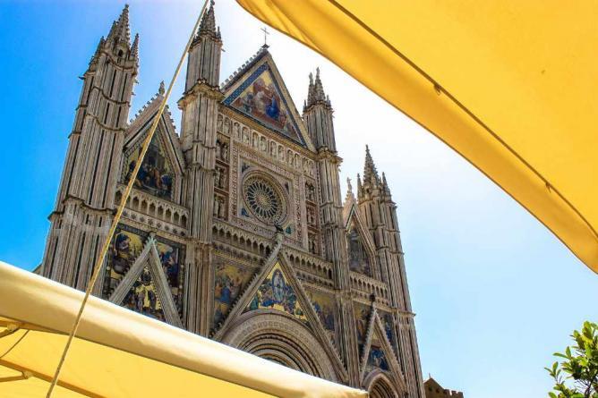 Duomo through the café sunscreens   © Andy Hay/Flickr