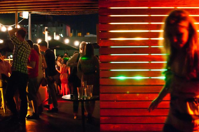 Rooftop bar | © Billy Voon