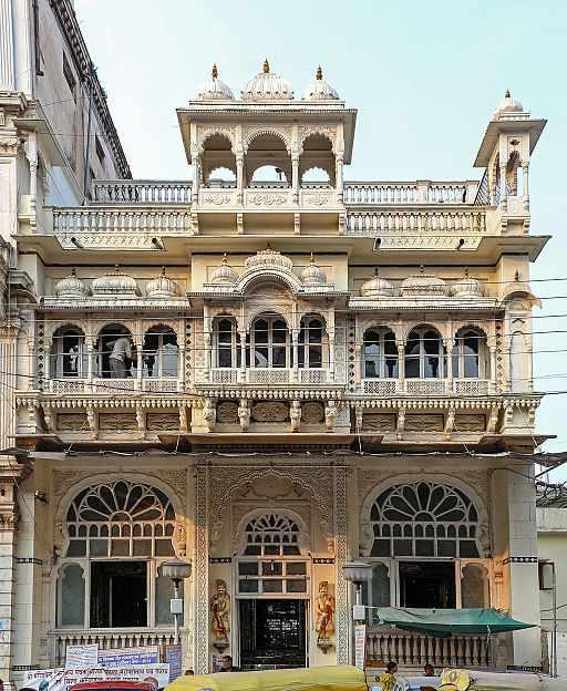 Kanch Mandir, Indore | © Bernard Gagnon/WikiCommons