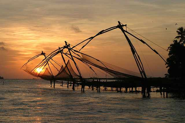 Chinese fishing nets, Cochin   © Brian Snelson/Flickr