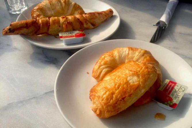 La Croissanterie Figaro croissant   © Anna Daneau