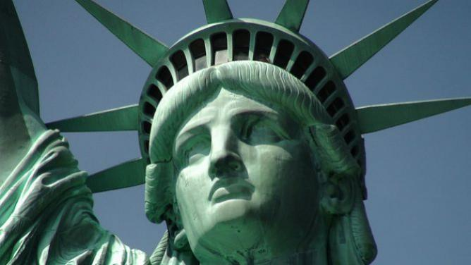 Statue of Liberty and Close-up of Head | © David Saddler/Flickr