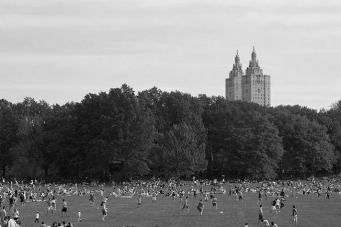 Sheeps Meadow, Central Park | © mollybob/Flickr