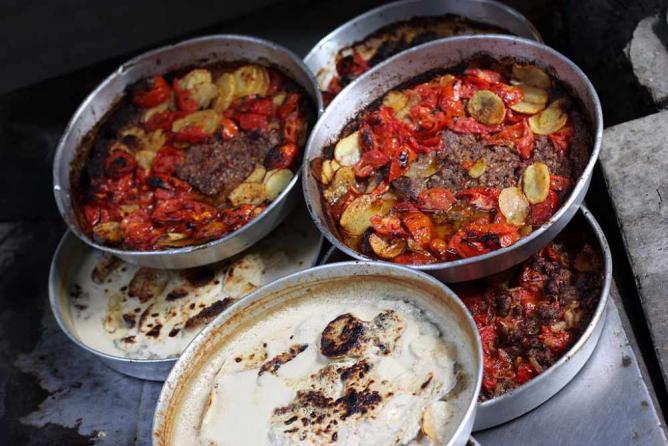 Downtown street food | © yeowatzup/Wikicommons