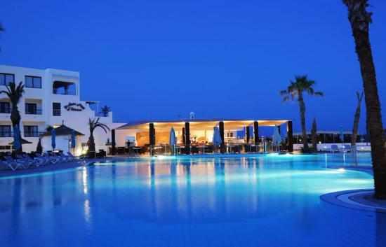 Vinci Nozha Beach Resort