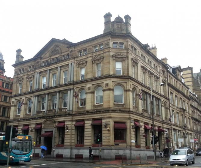 Sir Thomas Hotel | © SteHLiverpool/Flickr