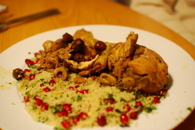 Chicken tajine with pomegranate couscous | © Paul Keller/Flickr