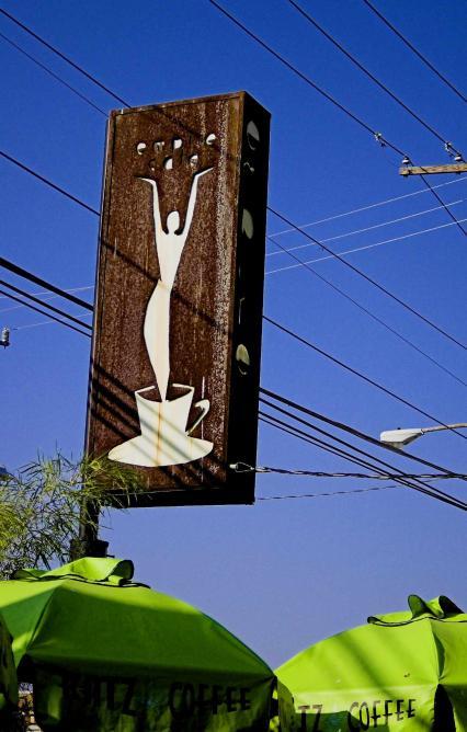 Breakfast time(Corporate Coffee Sucks) | © mario/Flickr