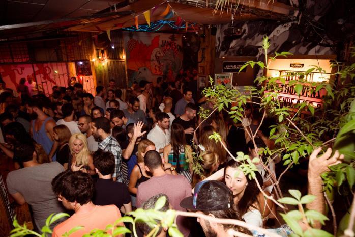 Beathoavenz Duo at the Kuli Alma Nightclub in Tel Aviv, August 27, 2015 | © Ben Palhov