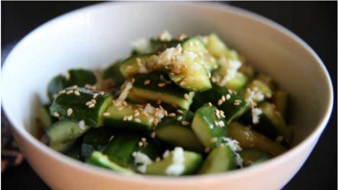 Smashed Cucumber Salad | © Kate Howley