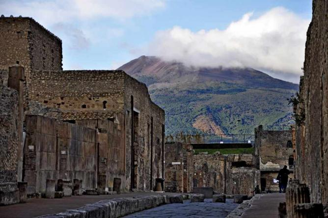 Via di Mercurio in Pompeii