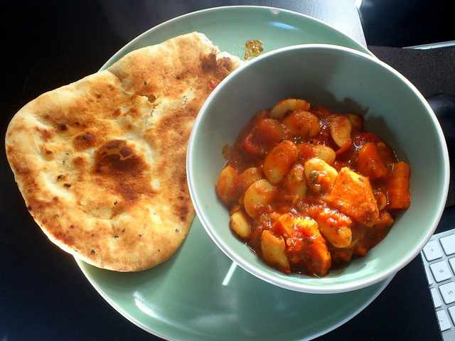Sweet Potato & Butter Bean Curry with Naan|©Matt Kieffer/ Flickr