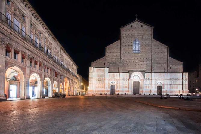Piazza Maggiore | ©RobertoTaddeo/Flickr