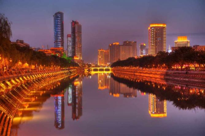 Chengdu At Night | © DvYang/Flickr