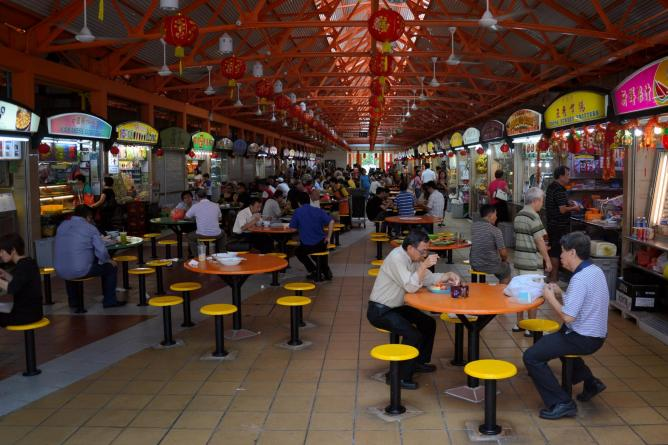Maxwell Food Centre © Aapo Haapenen/Flickr