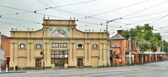 Queen Vic Market | © Johntorcasio/Wikimedia