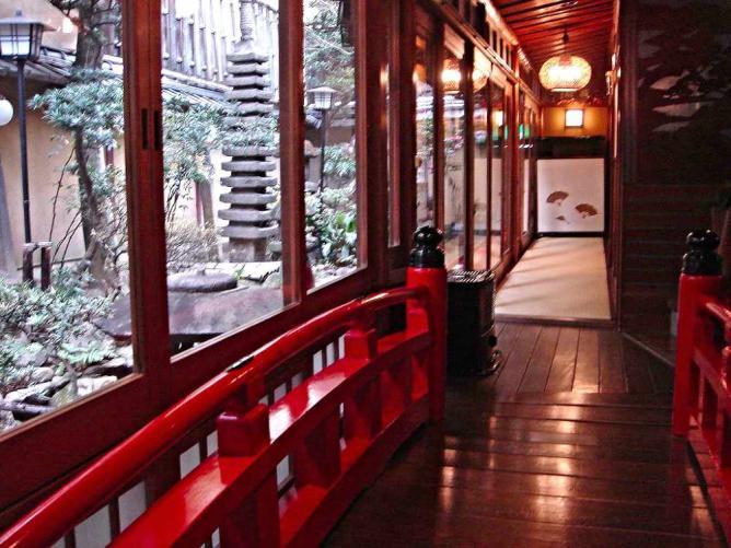Corridor at Kikokuso