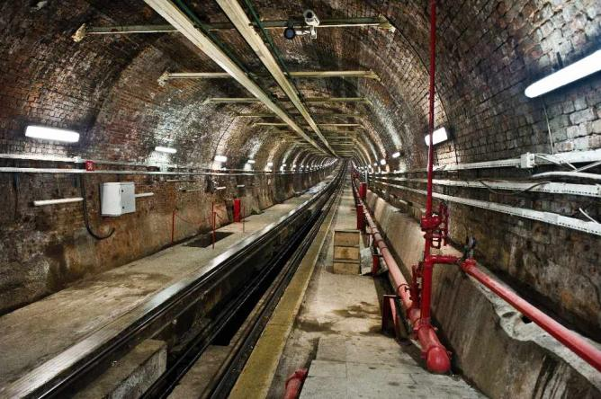 The Tunel Funicular   © Atomicbre/WikiCommons