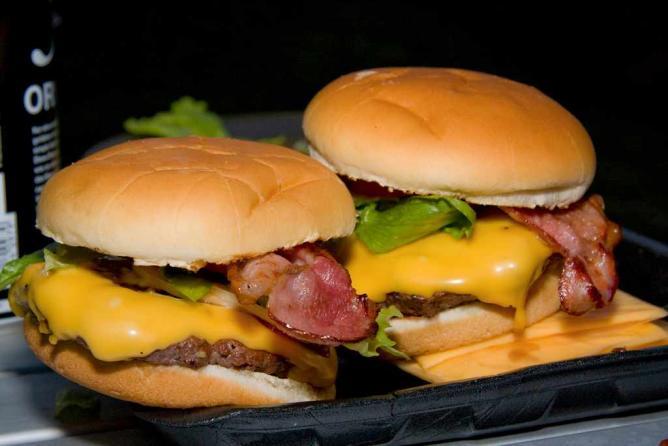 Burgers © lambda_X/Flickr