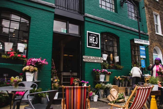 The green exterior of Hej coffee