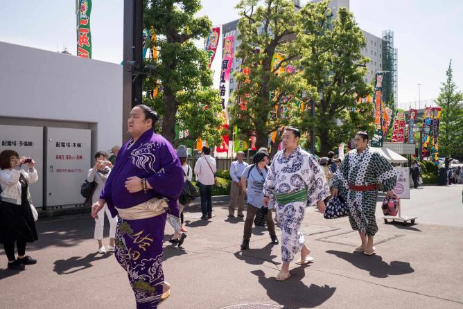 Sumo wrestlers | © Yasmine Awwad/http://peekingduck.co